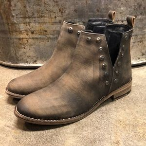 Roaster booties by Muse & Cloud multiple sizes